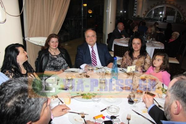 ο υποψήφιος Δήμαρχος κος Νίκος Φατούσης μαζί με την σύζυγο του και υποψήφιους